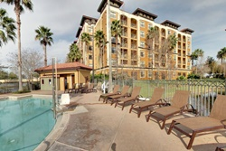 Orlando pet friendly hotel -m Floridays Resort Orlando